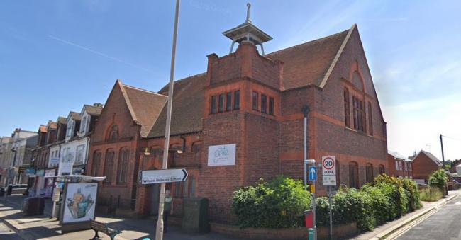 Grovelands_church